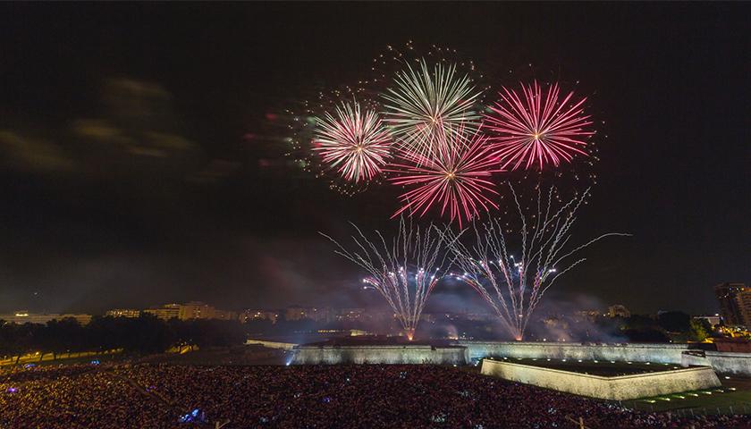巨大な花火大会、スペイン、サンフェルミン